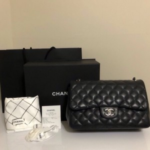 Chanel classic black jumbo bag
