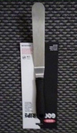 OXO Good Grips Bent Icing Knife