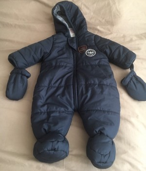 Brand new snow suit size 0-3 months