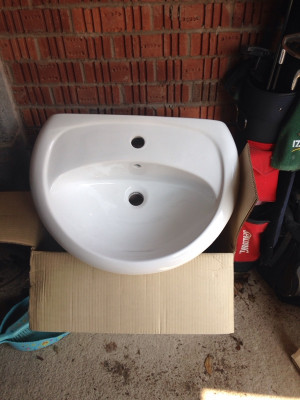New toilet & sink