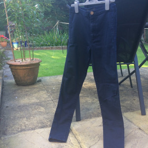 Dark blue high waisted river island jeans in size 6 but would fit a size 8 too. In perfect condition x