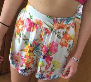 Floral patterned flower shorts , size 8 (£4.00)