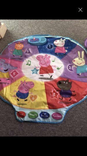 Peppa pig play mat find shapes, fun sounds and numbers hardly been used
