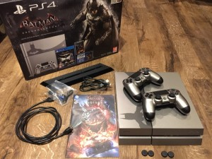 Limited Edition 500GB Steel Grey Batman Faceplate PS4 + Vertical Stand