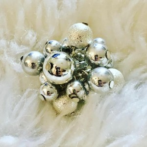 Christmasy Silver Tone Baubles Clusters Ring U.K. Size R-S Party Dinne