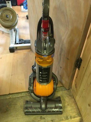 Dyson dc 24 Hoover
