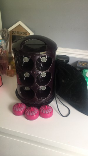 Hot Curlers xø  Good condition,, Comes with 15 curlers