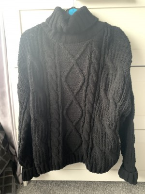Primark XS chunky cable knit black jumper. Never been worn