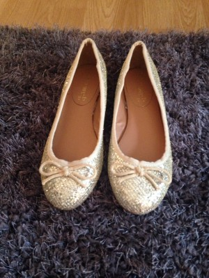 ladies shoes worn once if atall
