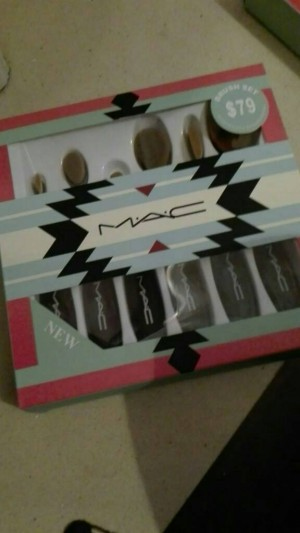 mac make up brushes