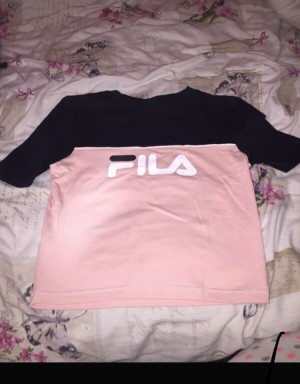 Gorgeous FIlA crop top  Never worn - size 6 (too small for me)  Brand
