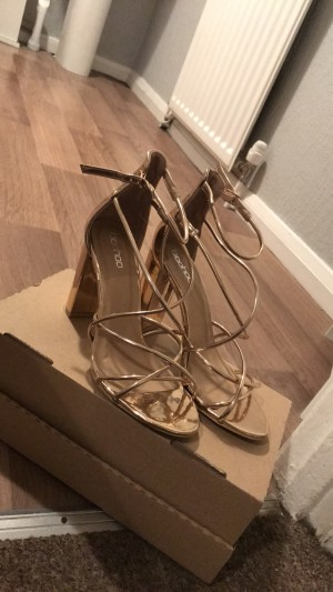 Boohoo shoes SIZE 5! WORN ONCE