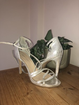 Stunning New Look silver heels, size 6