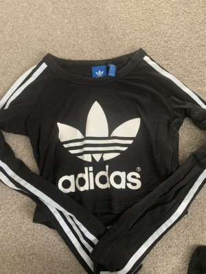 Adidas cropped top size 4