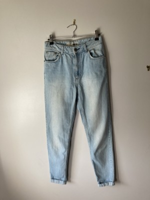 Light mom fit jeans from topshop