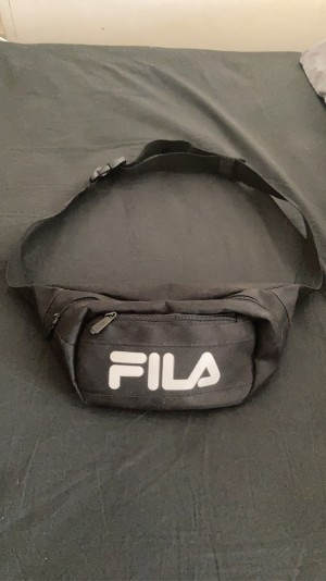 Black/White FILA fanny pack. Good condition.