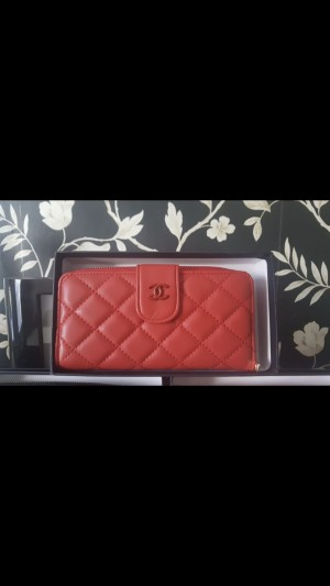Ladies brand new boxed Chanel purse