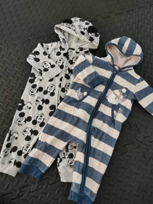2 baby grows