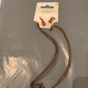 New ladies fashion necklace with matching earrings