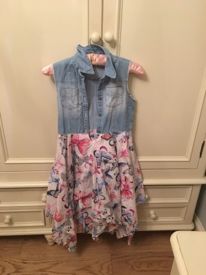 Dress with butterflies on children size 9-10