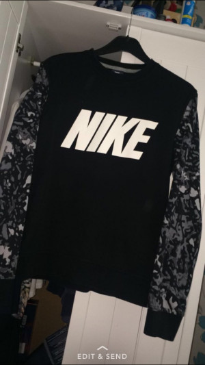 Nike sweat jumper camouflage armed size MEDIUM RRP £45 (JD) selling £15