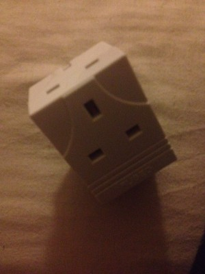 plug adapter, 3 extra plugs