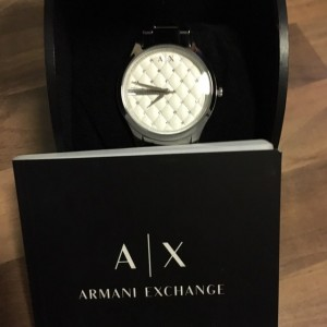 This stunning Genuine Armani Exchange Watch has over 23 dazzling Swarovski crystal's imbedded in the face of the watch along with a stunning pearl colour silk inlay this is a absolutely beautiful piece to own it also come's with extra link's so you can exp