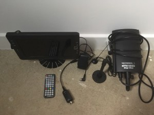 Maplin 9inch portable tv also includes moonraker DTV-1000 digi pro aerial excellent condition hardly used