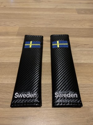2X Seat Belt Pads Carbon Present Sweden Scania Volvo Saab AB Flag Map