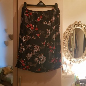 Variations Black Floral Chiffon Skirt with Lining Size 26