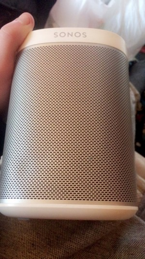 Sonos play one white Grade C , very good condition
