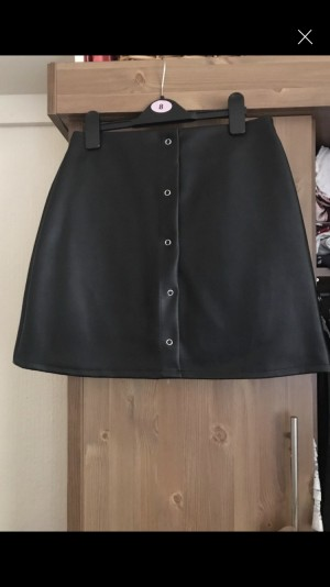 Fake leather skirt from pretty little thing Collection Arnold Nottingh
