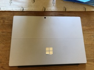 Microsoft surface pro 6 I7 used once