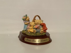 Vintage Picnic Time Figure Teddy Bears Playtime Gifts Home Decor