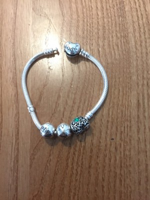 Pandora bracelet real with 3 charms
