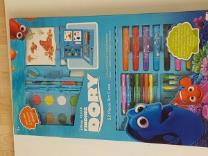 Finding Dory 52 Piece Art Case