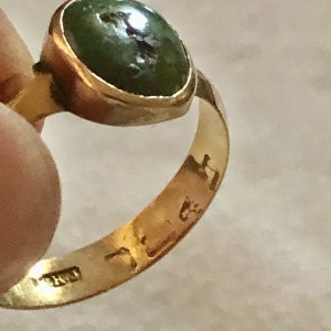 Antique Solid Yellow Gold Green Stone Ring UK Size P