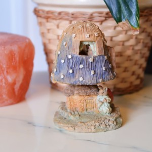 Vintage Toadstool Resin Hinged Mouse House