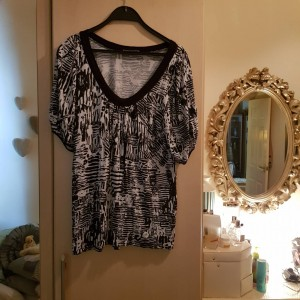 M&S Black and White Scoop Neck Top Size 16