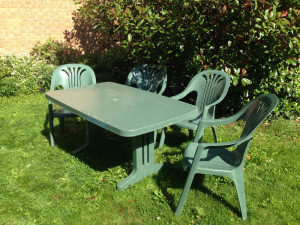 4 chairs and garden table