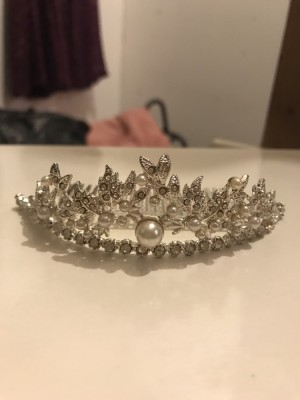 Sliver and pearl hair slide