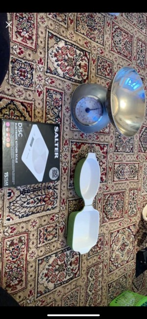 baby steriliser and 2 sets of scales not bowls 5 each for scales and 3