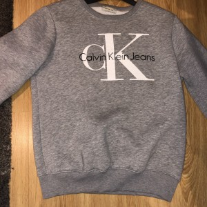 Calvin Klein jumper junior XL , fits women's size small