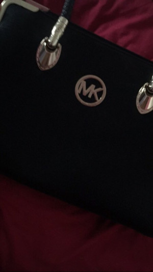 Michael kors bag, great condition only used twice
