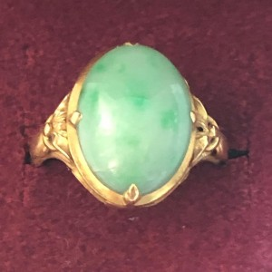 Lovely Vintage 22ct Yellow Gold Ring Pale Green Jade Cabochon Ring Siz