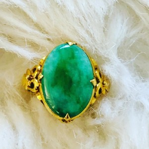 Large Vintage 22ct Yellow Gold Ring Green Oval Jade Cabochon Ring UK S