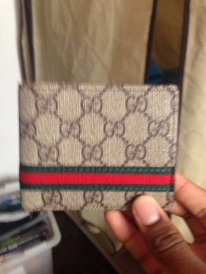 Nice Gucci wallet here. Real. Not been used. £35