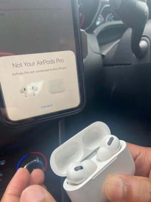Apple AirPod pro very good quality