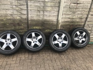 Volkswagen caravelle alloys and tyres 235/55/17