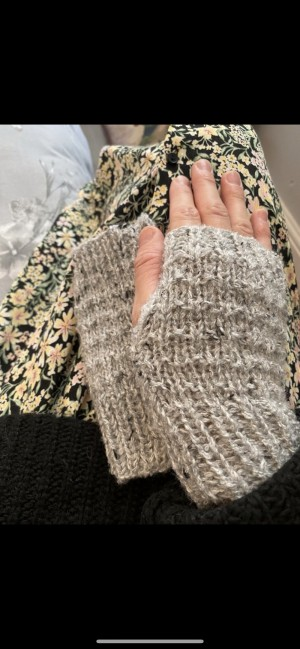 Grey marl knitted wool fingerless gloves